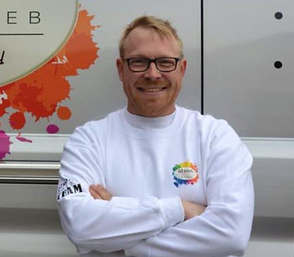 Sascha Olson, Inhaber